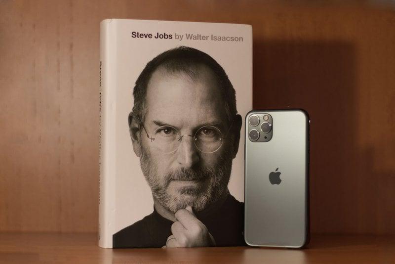 Steve Jobs    iPhone 11 Pro [Midnight Green]